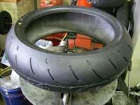 FZ1のタイヤ